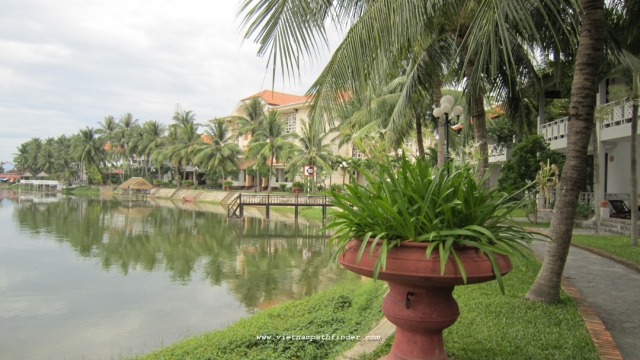 hoian beach resort 4 sao