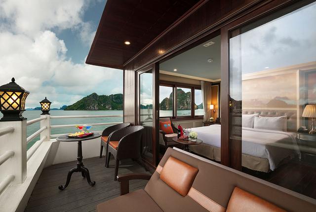 Athena Elegant Suite mùa cao điểm du lịch