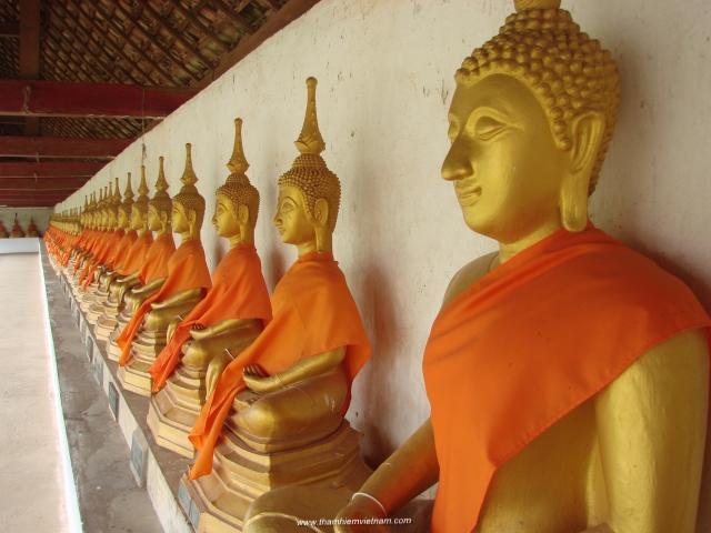 Du lịch Lào: Phou Si - núi Màu