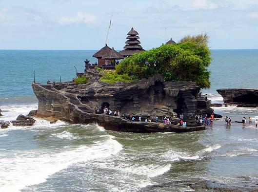 thăm chùa trên đảo Bali