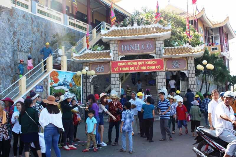 Lễ hội Nghinh Cô tại Dinh Cô