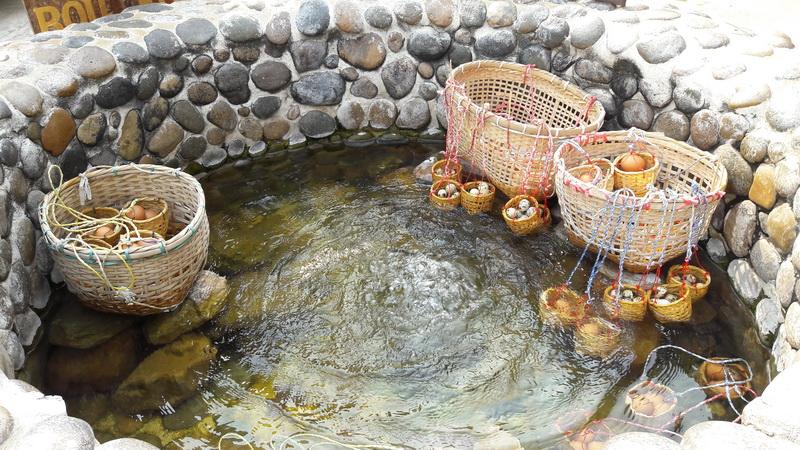 Suối nước nóng Mae Kachan