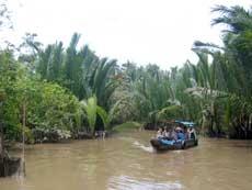 Du lịch trên sông Tiền