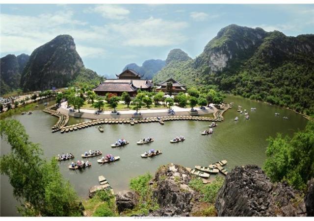 Tour Cố đô Hoa Lư - Bái Đính - Tràng An - Nhà thờ đá Phát Diệm 1 ngày